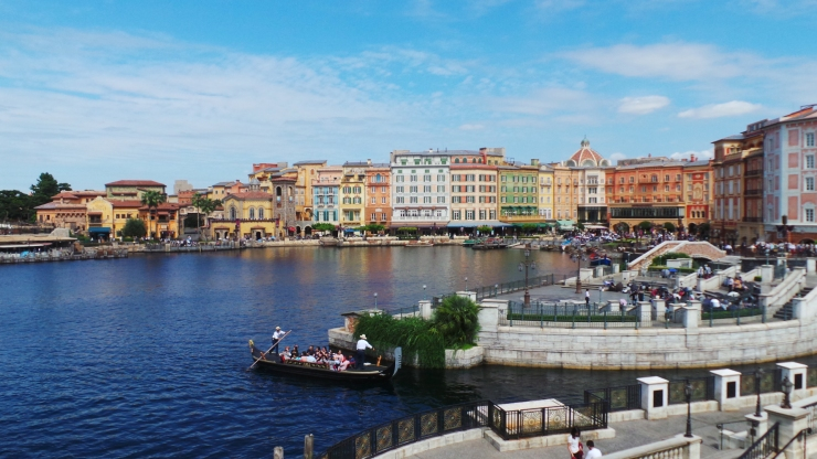 tokyo-disneysea-mediterranean-harbor-2