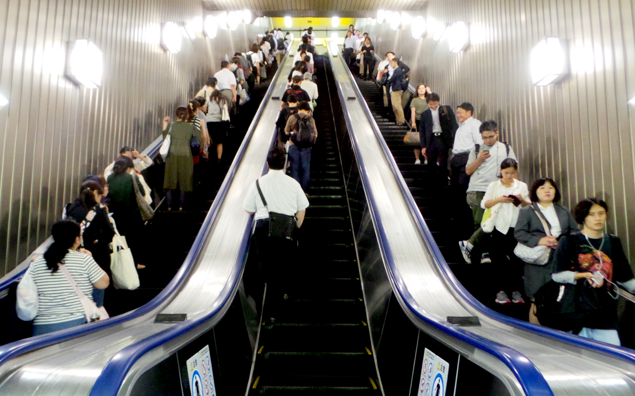 escalator-japan